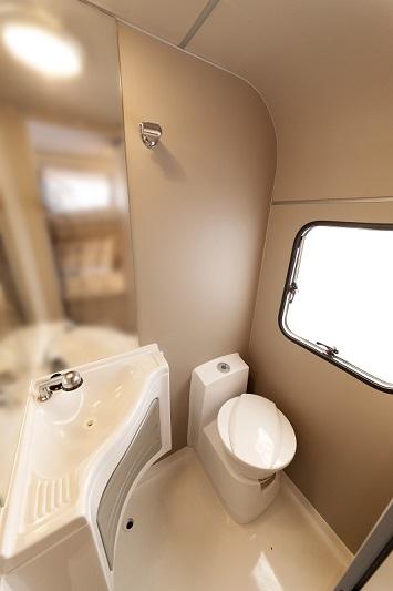 FreeCross Caravans 330DL Premium Bathroom